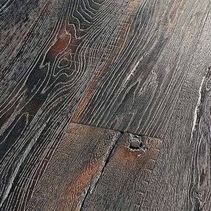 Zwarte rustieke houten vloer